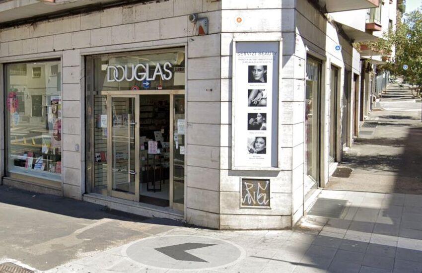 Chiude Douglas a Roma, a rischio 50 lavoratori