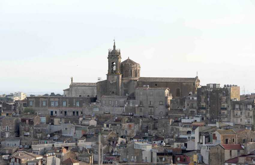 """Caltagirone, approvato dalla Giunta municipale le regole per le """"case a 1 euro"""""""