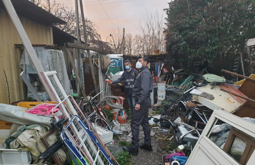 Sul Volturno un'area di 2500 mq era diventata una discarica di rifiuti pericolosi