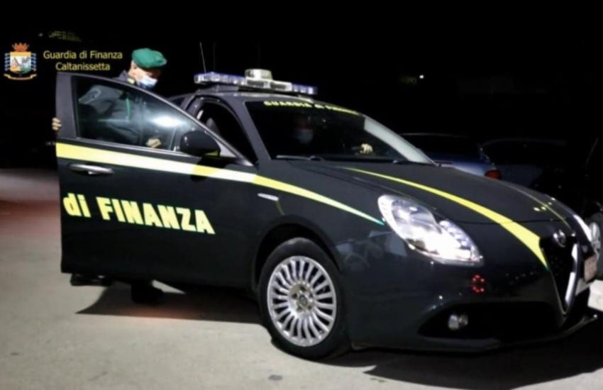 Gela/Guardia di Finanza: sequestrate due società gestite da teste di legno del valore di 2 milioni di euro. Il dominus Domicoli ai domiciliari