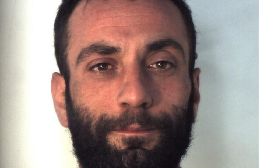 San Cristoforo, beccato mentre spacciava del crack, arrestato