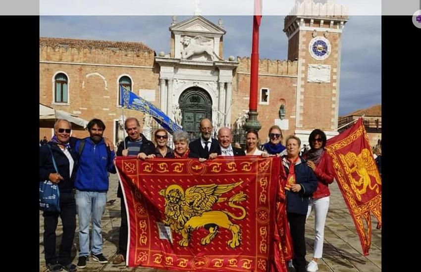 Issare solo bandiera del Veneto è insulto alla storia