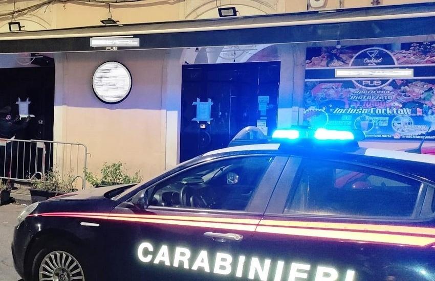 Catania, ascoltano musica in un pub di Via Coppola,  locale chiuso, avventori sanzionati
