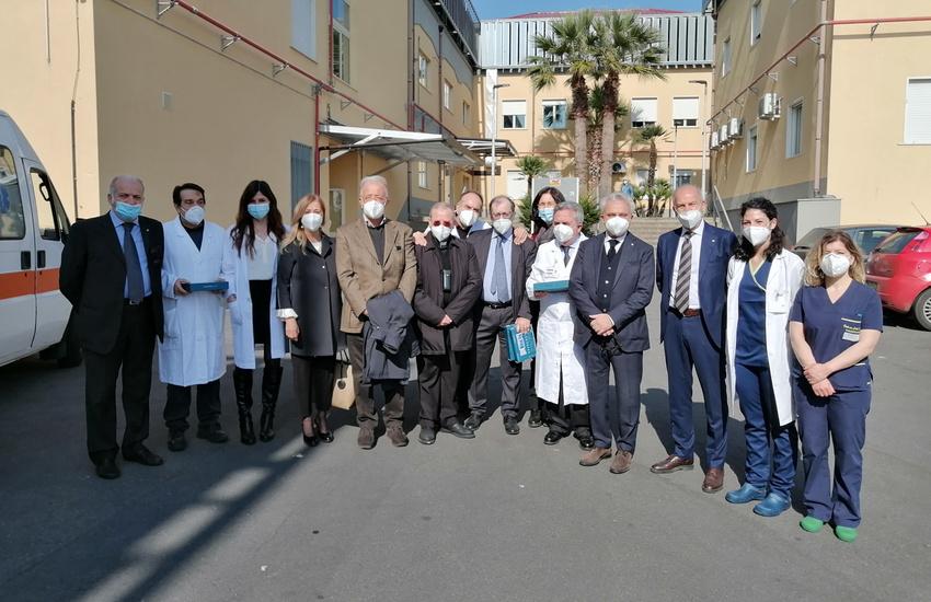 Catania, tablet gratuiti ai malati Covid per comunicare con i familiari