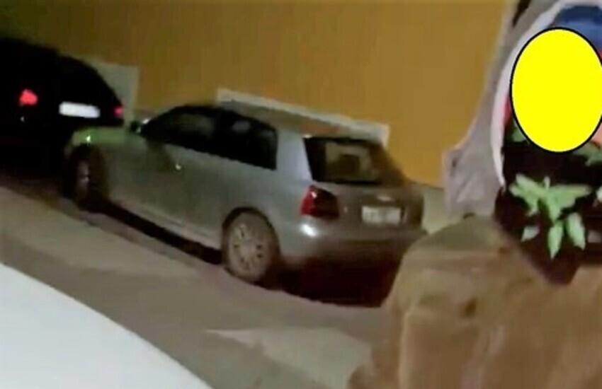 Ramacca, danno fuoco alla macchina per ripicca, denunciati due minorenni