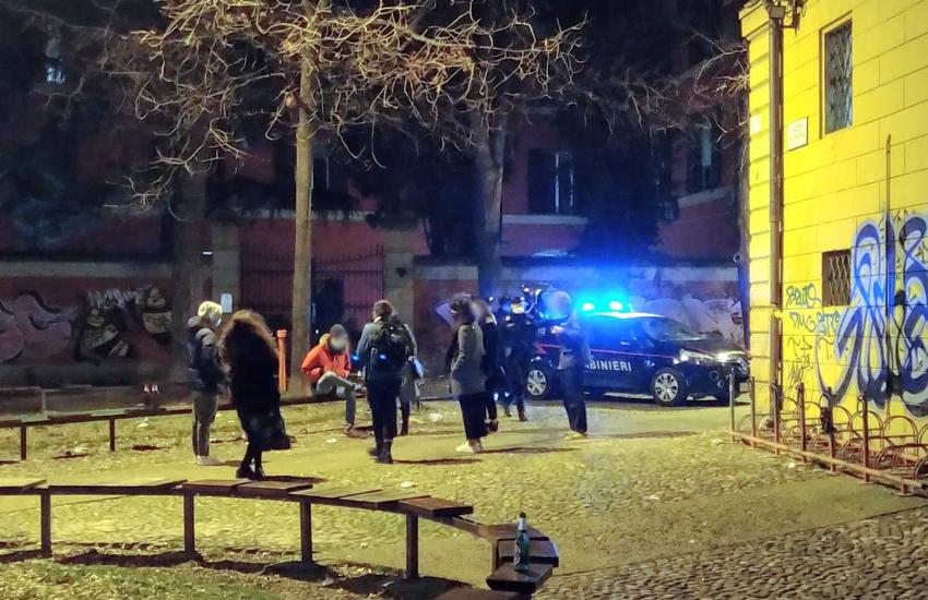 Bologna: notte folle in Piazza Verdi, gli interventi dei carabinieri