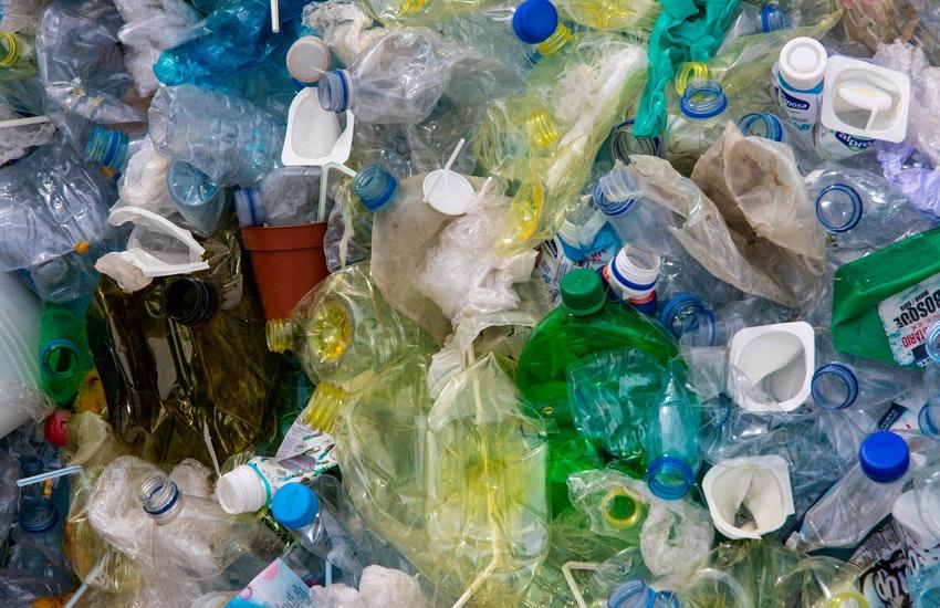 """Operazione """"Plastic free"""", Somma Vesuviana liberata da plastica e spazzatura"""