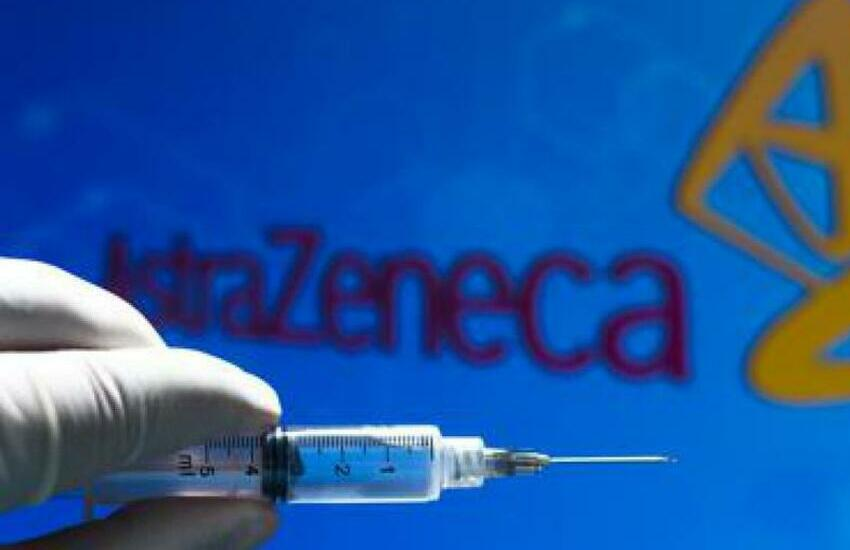 Draghi si vaccina con AstraZeneca