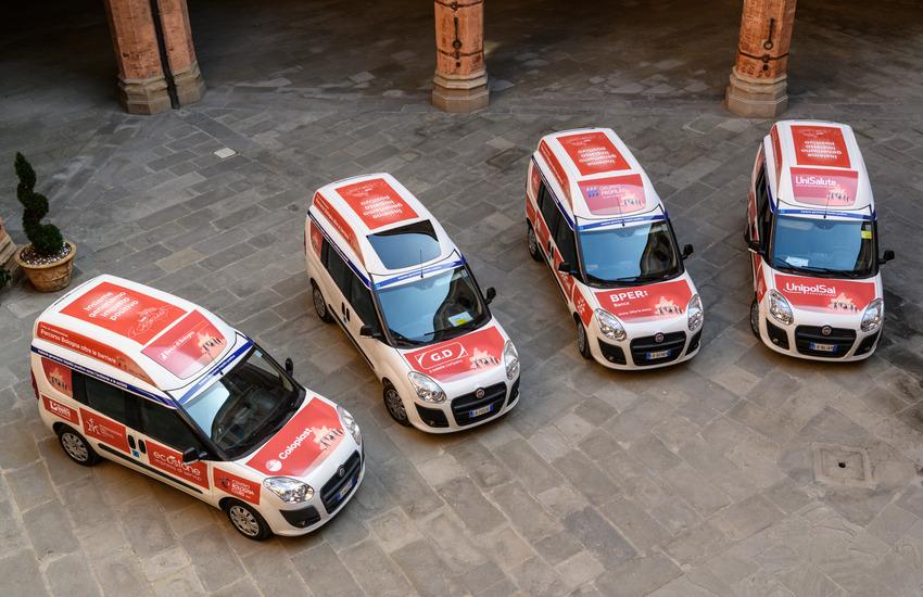 Bologna: quattro nuovi veicoli attrezzati all'accompagnamento di persone disabili