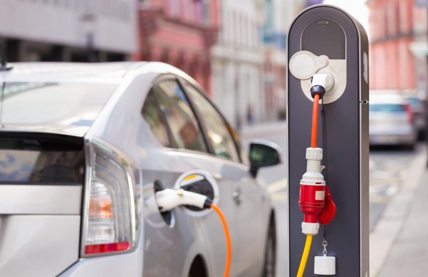 Lombardia: Incentivi auto elettriche, boom di prenotazioni in 24 ore