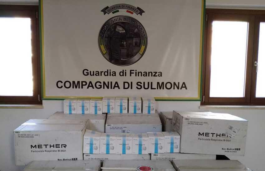 Sulmona, Gdf: sequestro di  30.000 mascherine