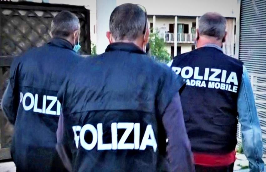 Detenzione di sostanza stupefacente: due arresti