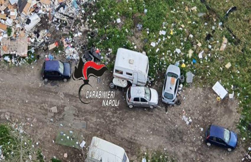 Caivano, trovate discariche abusive a cielo aperto contenente di tutto: rifiuti pericolosi, carcasse di autobus e scarti edilizi
