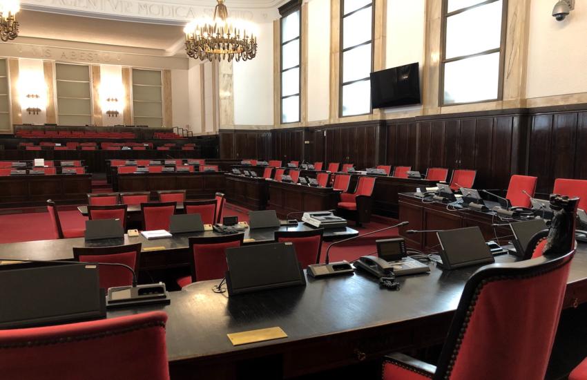 Milano: Consiglio comunale, approvato nuovo regolamento canone di concessione