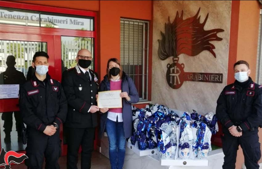 Mira, dopo il vile furto imprenditore dona (tramite i Carabinieri) uova di Pasqua all'hospice oncologico di Padova