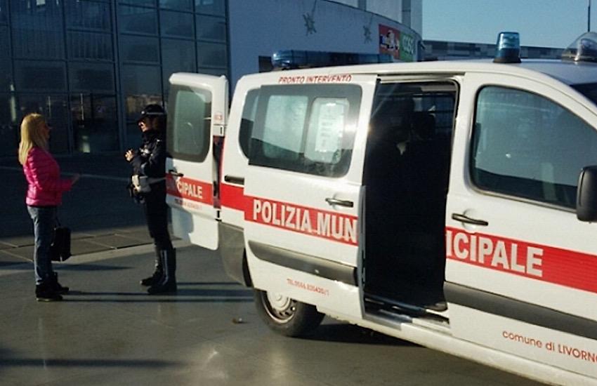 Grano avvelenato in piazza Maria Lavagna: intervento della Polizia Municipale
