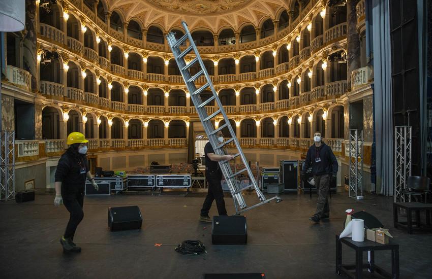 Miracolo Musicultura: 350 lavoratori dello spettacolo tornano in teatro