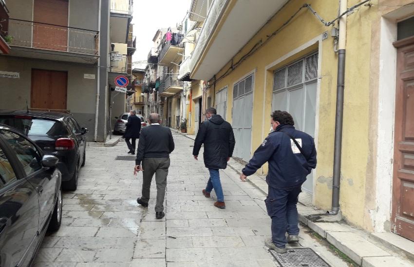 Gela, quartiere Canalazzo, interventi di manutenzione in corso. Greco: ridare vita a tutti i quartieri