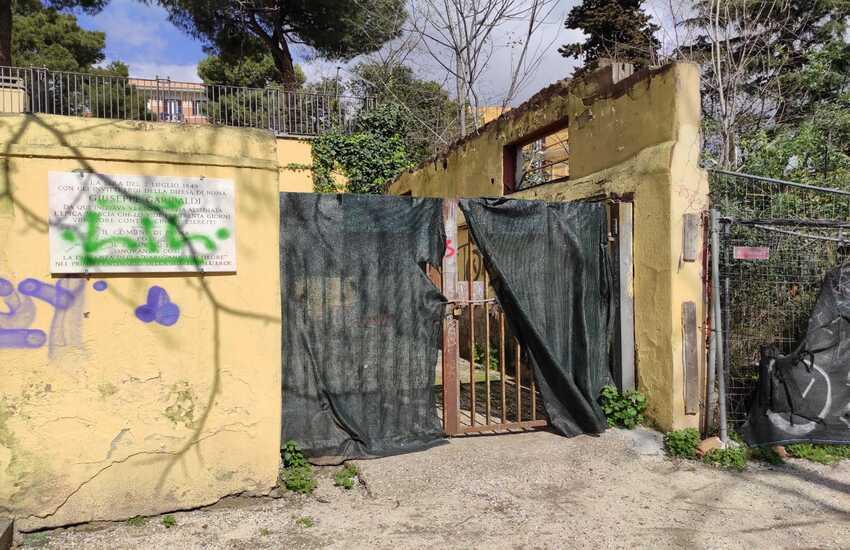 """LA """"TRANSIZIONE ECOLOGICA"""" ROMANA: ECCO VILLA FIORELLI, IL PARCO COL BUCO NERO AL CENTRO"""