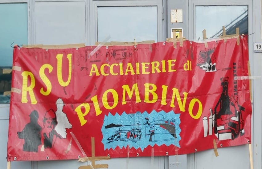Parte l'iniziativa di mobilitazione a sostegno della Vertenza Jsw: presidio della Rsu Jsw Steel Italy, Piombino Logistics