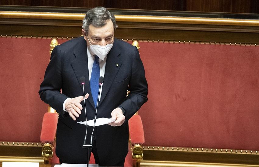 """Draghi parla in replica a palazzo Madama: """"Se il coordinamento europeo non funziona, poiché il tempo è estremamente prezioso, occorre anche trovare delle risposte da soli"""""""