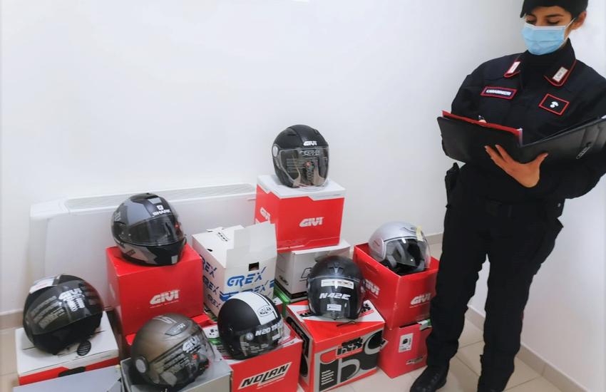 """Bologna: garage """"occupato"""" in via Vittoria"""