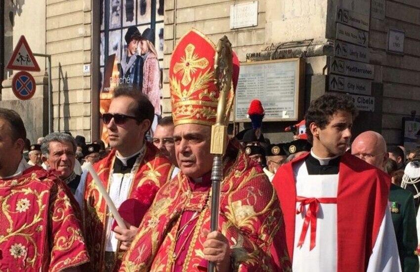 """Catania, vescovo Gristina: """"Niente più padrini e madrine per battesimi e cresime"""""""