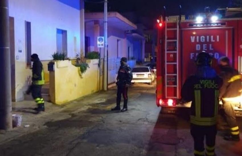 Paura nella notte, abitazione in fiamme a Casarano. I Carabinieri salvano padre e figlia