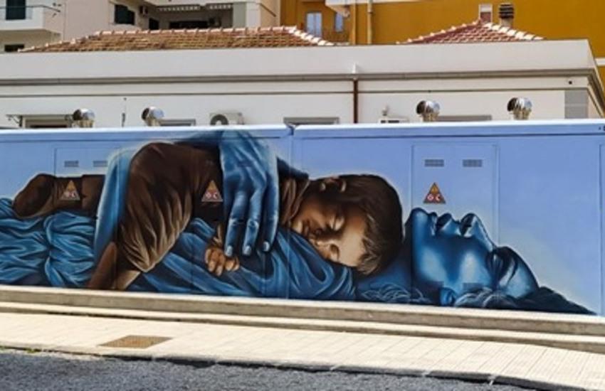 Milazzo, Andrea Sposari trasforma cabina E-Distribuzione in un'opera Street Art