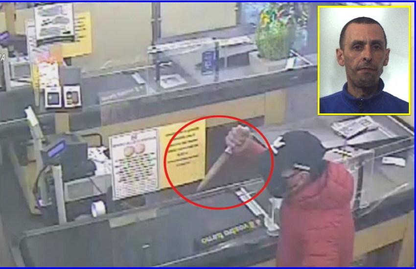 [VIDEO]Paternò, rapina a mano armata un supermercato: braccato, si consegna ai carabinieri