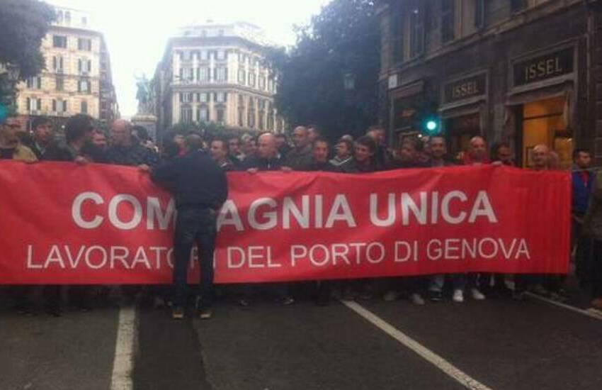 Genova, i portuali confermano lo sciopero di 24 ore: fallisce anche l'ultima mediazione