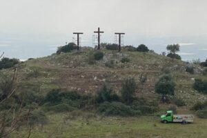 Sezze si riappropria della sua collina del 'Golgota' grazie ai volontari della 'Passione di Cristo'