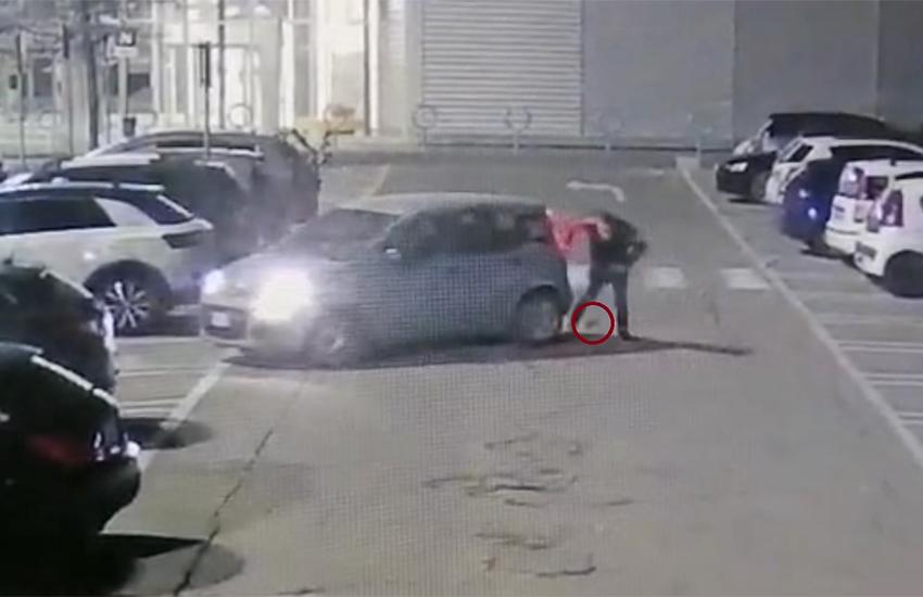 Truffava nel parcheggio gli automobilisti con falsi incidenti, arrestato 49enne