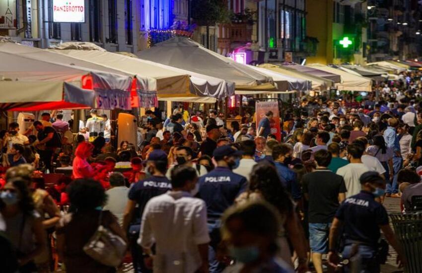 Milano: Più controlli anti assembramenti nel fine settimana