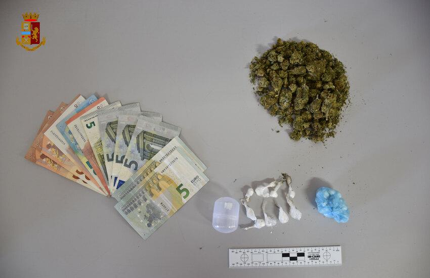 Biancavilla, bar del centro base di spaccio per cocaina. Arrestati 29enne di Adrano e il titolare dell'esercizio