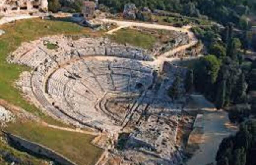 Teatro, tornano le rappresentazioni classiche a Siracusa