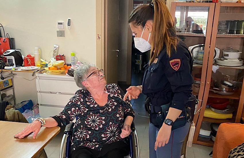 Personale delle volanti interviene  in tempo e trae in salvo signora disabile al 100%