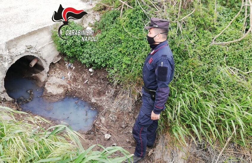Acerra, rifiuti speciali e scarico illegale di acque reflue nei Regi Lagni