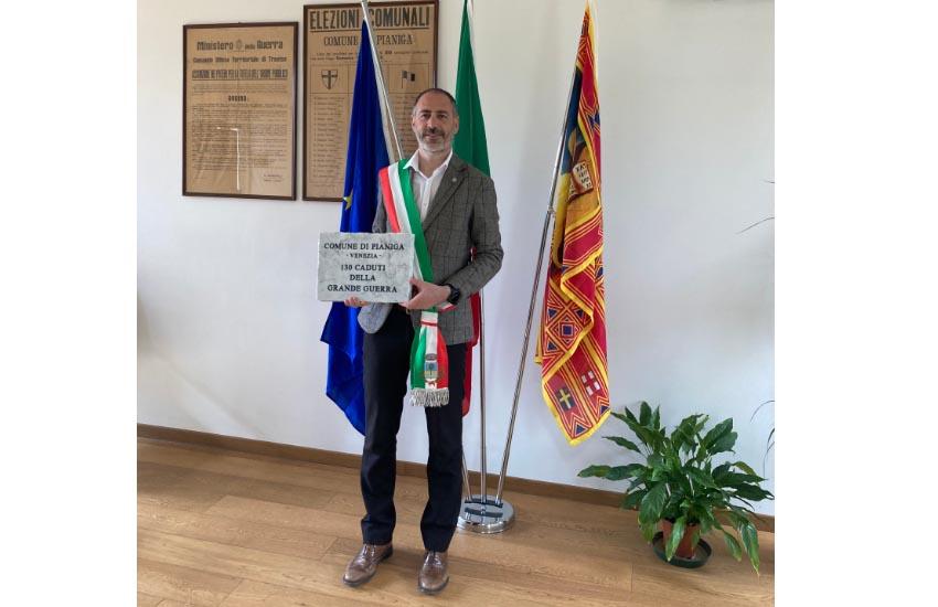 Una pietra in ricordo dei caduti della Prima Guerra Mondiale da Pianiga a Biella