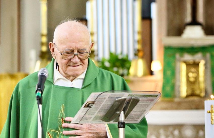 Venerdì a Vetrego il funerale di don Pietro Mozzato, già parroco per quasi 45 anni