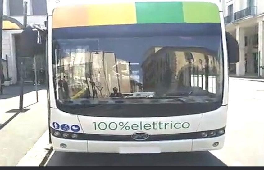Presentato E-Bus: il primo autobus elettrico che sarà testato a Livorno