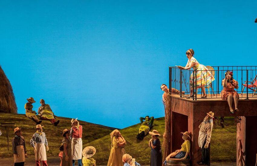 """In scena al Teatro Regio """"L'elisir d'amore"""" ambientato negli anni Cinquanta"""