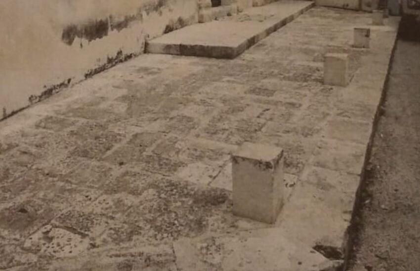 """Comibleo, Comitato Spontaneo di Volontariato Ibleo, chiede a gran voce che vengano rimossi i birilli di pietra di via Santa Maria La Nova a Ragusa Ibla: """"pericolosi per l'incolumità pubblica"""""""
