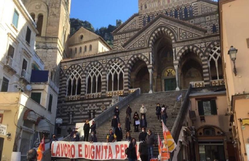 Turismo in Costiera amalfitana, protestano gli operatori