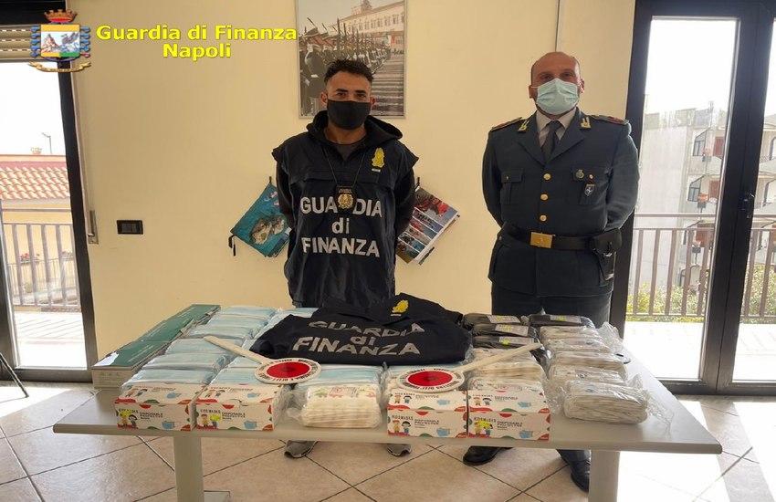"""Operazione """"Safe Mask"""" della Guardia di Finanza, sequestrati 143.000 dispositivi contraffatti in diverse province di Napoli (VIDEO)"""