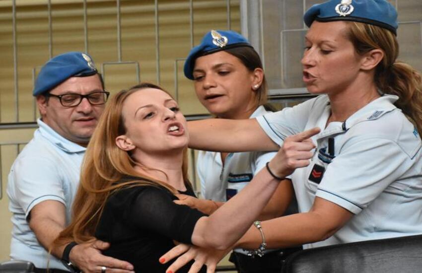 Veronica Panarello, guarita dal Covid, torna in tribunale. Ancora pesanti accuse al suocero