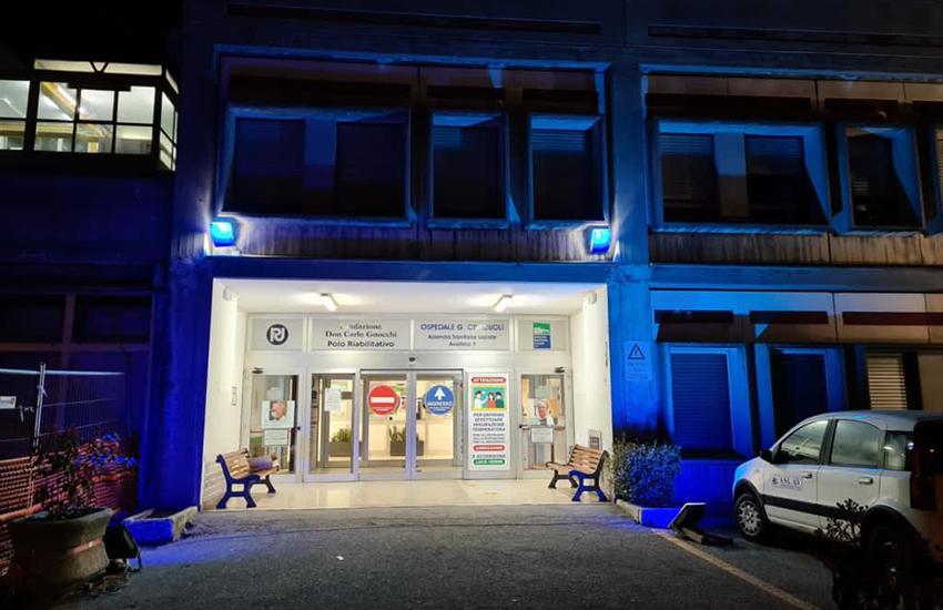 L'ospedale di Sant'Angelo dei Lombardi e l'Asl di Avellino si sono illuminati di blu