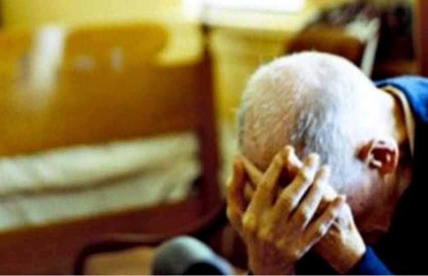 Chieri, picchia i genitori anziani: arrestato operaio 37enne