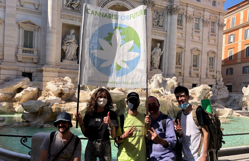 Cannabis: il 20 aprile attivisti in piazza Castello