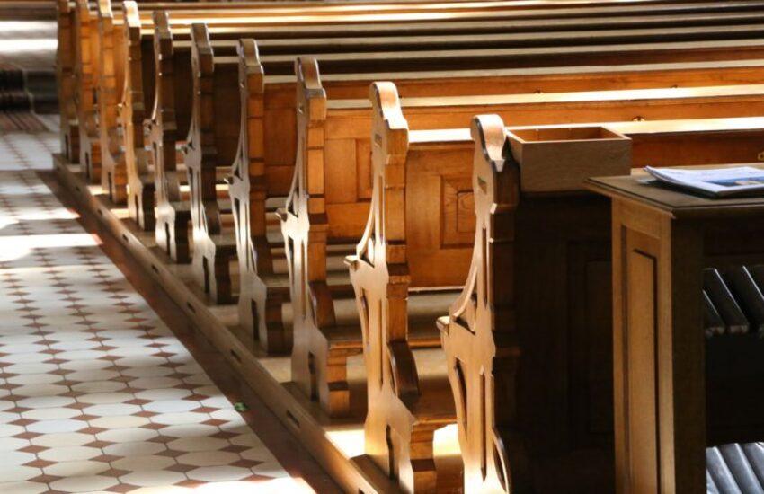 Prato, spaccio e importazione di sostanze stupefacenti: sacerdote agli arresti domiciliari